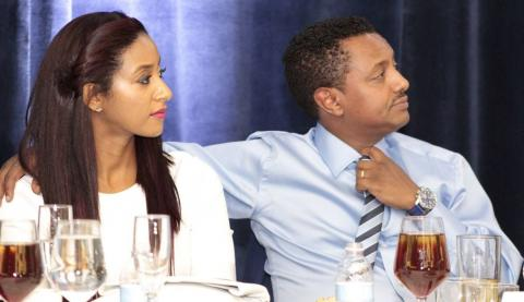 Teddy Afro received award from The Society of Ethiopians Established in Diaspora