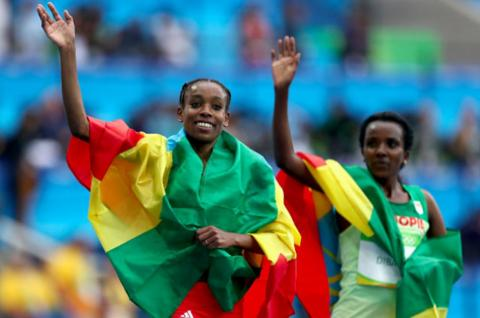 Almaz Ayana Vs Tirunesh Dibaba final lap battle