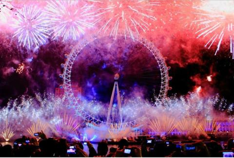 London Fireworks - New Years Eve Fireworks (2017 )