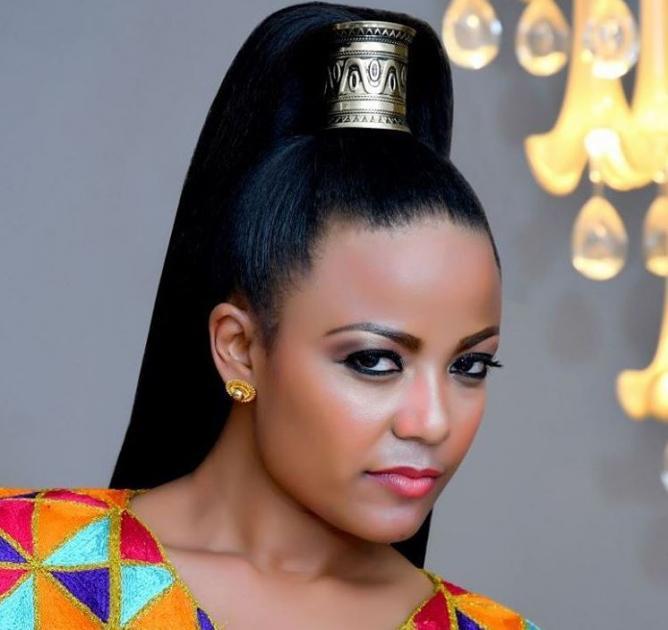 Artist Mekdes Tsegaye Talked About Her Sister