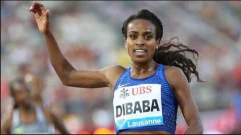 Caster Semenya Wins Women's 800m